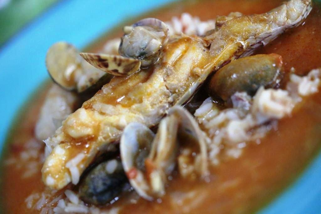 Arroz de Pargo na Ericeira é de comer e chorar por mais! http://grafe-e-faca.com/pt/receitas/do-mar/peixe/arroz-de-pargo/