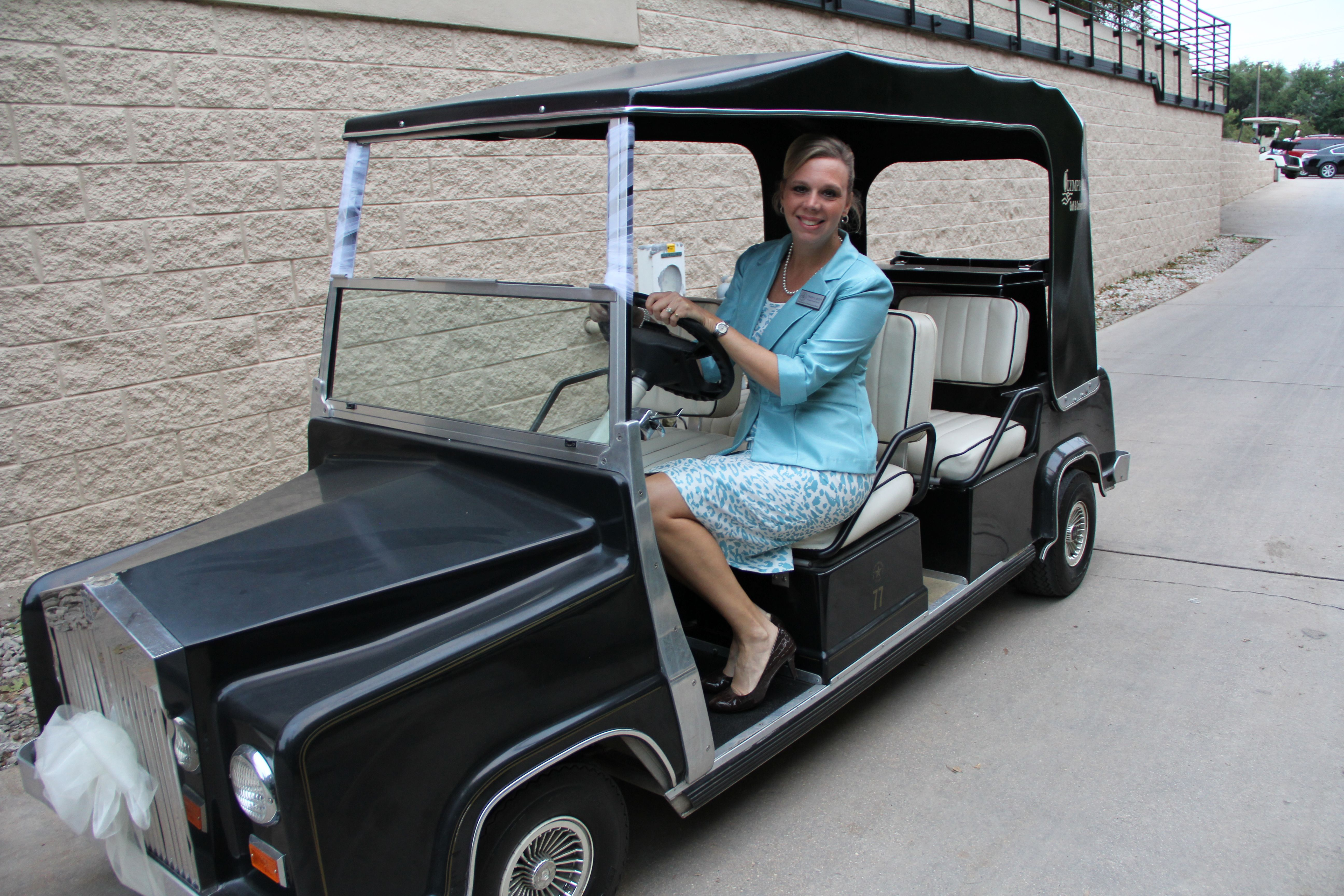 The Limo Royal Ride Golf Cart Royaltyeventparties Com Golf Carts Royal Limo