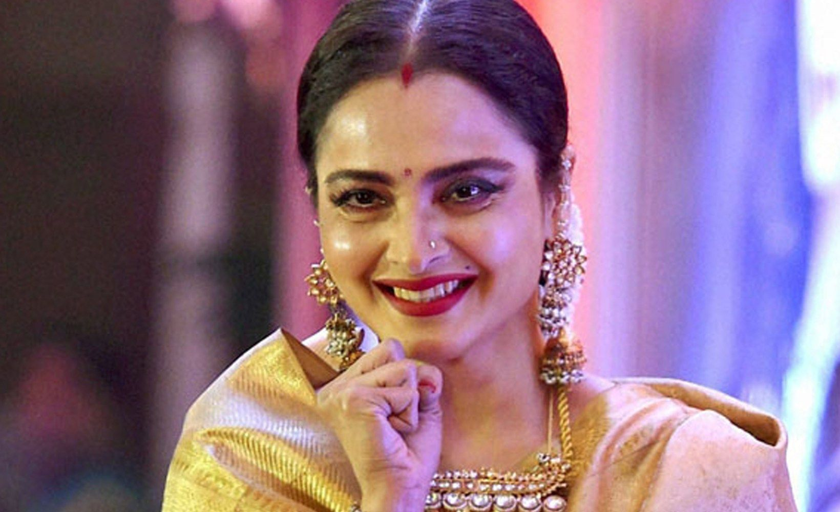 pictures Rekha's Beauty, Makeup And Fitness Secrets Revealed