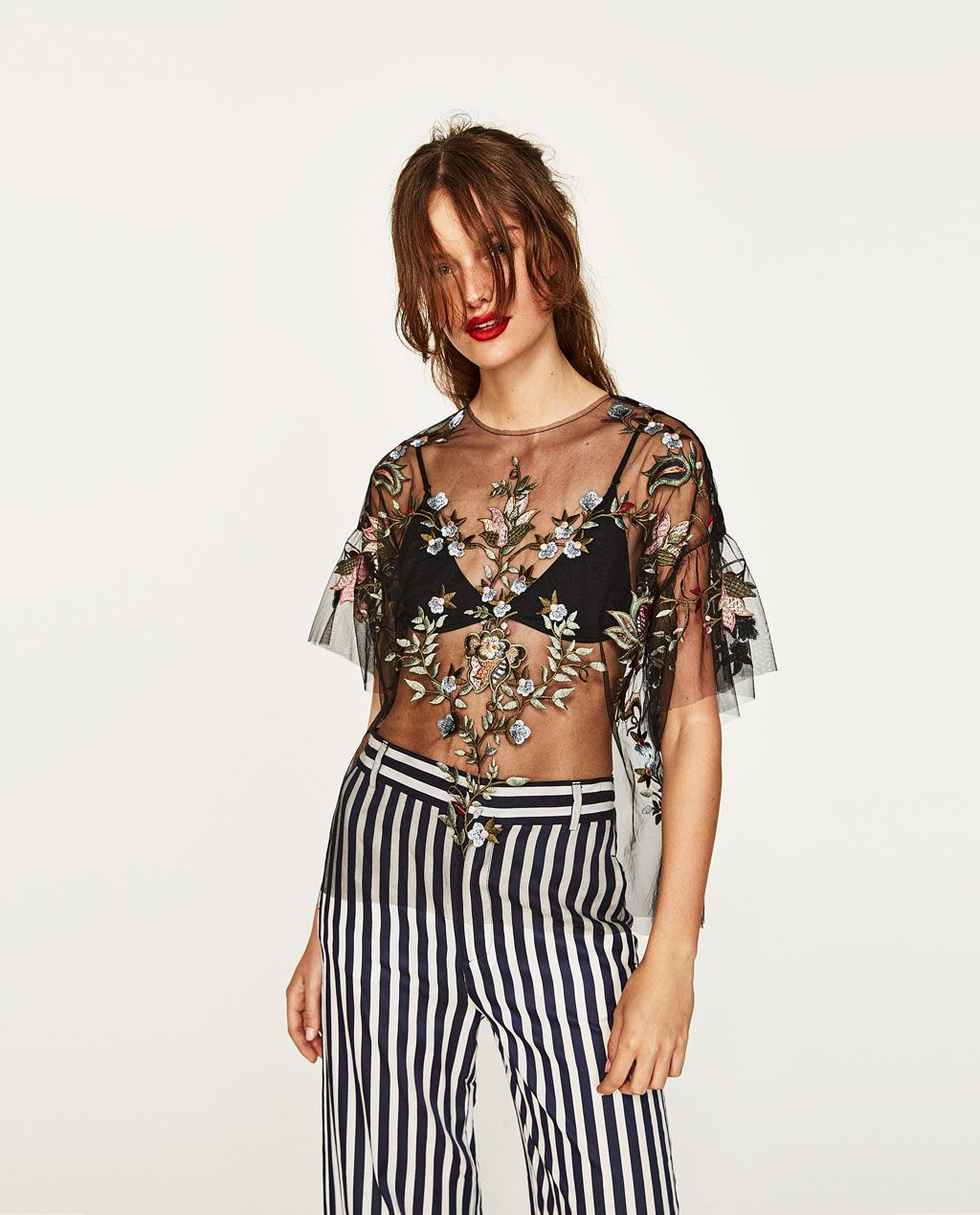 b1475d392 The Carrie Bradshaw-Approved Going-Out Top Is Back