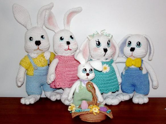Связать крючком игрушку зайчик. Описания вязания игрушки заяц