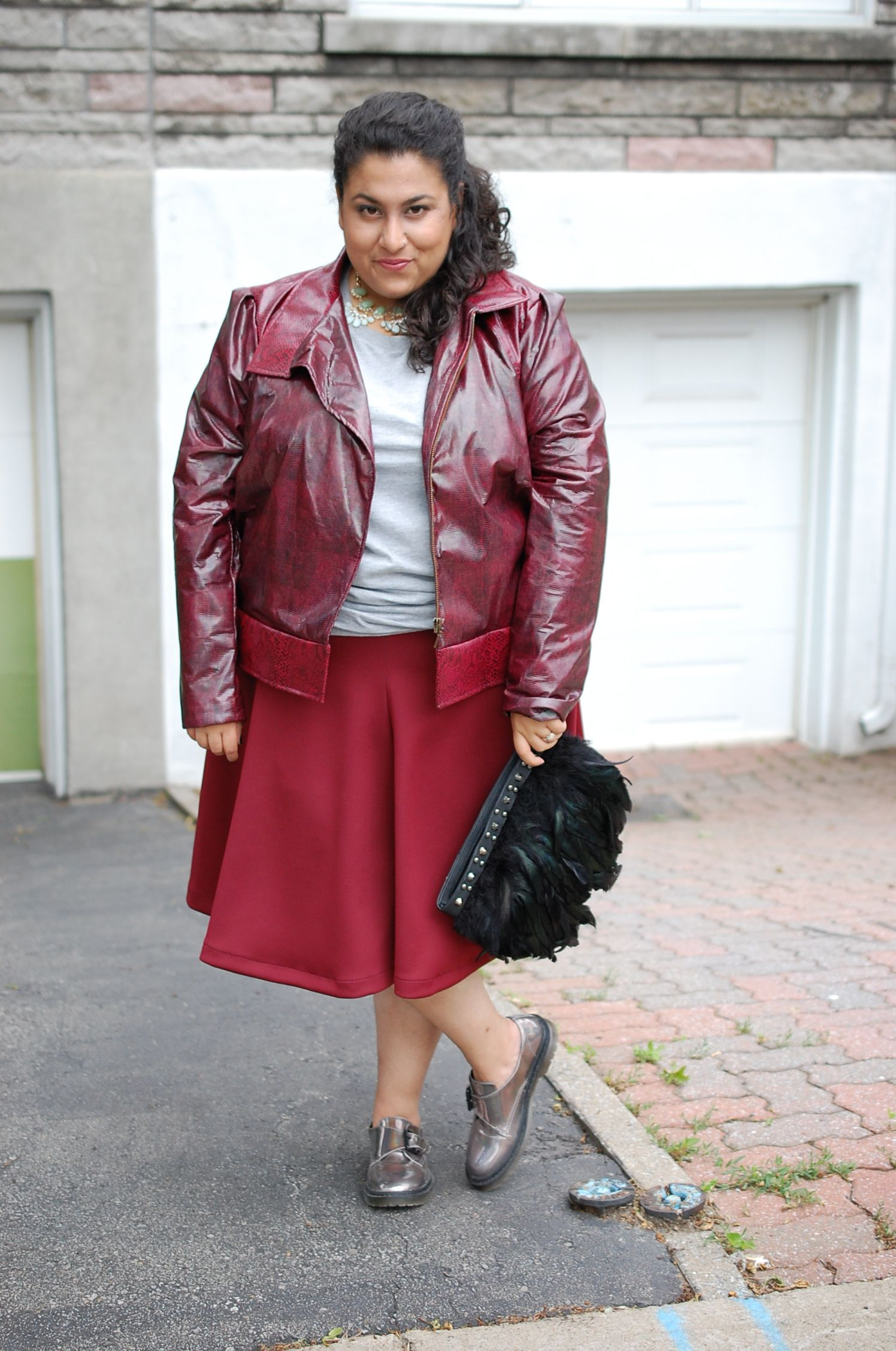 Love this burgundy look! Perfect for fall. Fashion, Size