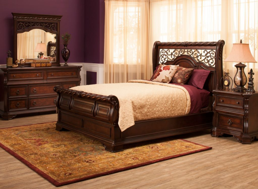 Vienna King Bedroom Set The Classic Look Of This 4 Piece King Bedroom Set Will Transform Your Space I King Bedroom Sets Bedroom Sets Queen Sized Bedroom Sets