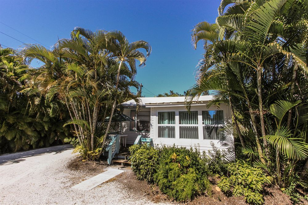 Gulf Breeze Cottages Sanibel United States Of America Fort Myers Hotels Southern Beach Beach Hotels