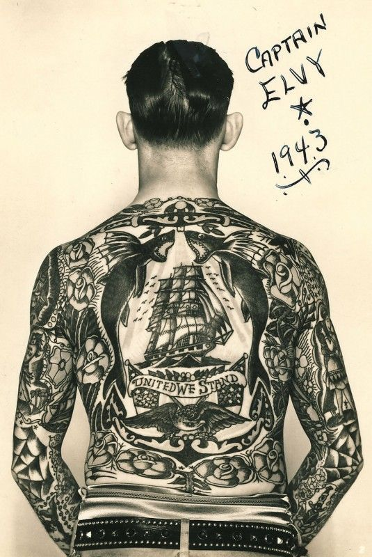 Vintage photo of the fantastic tattoos of Captain Elvy back in 1943 : wow !