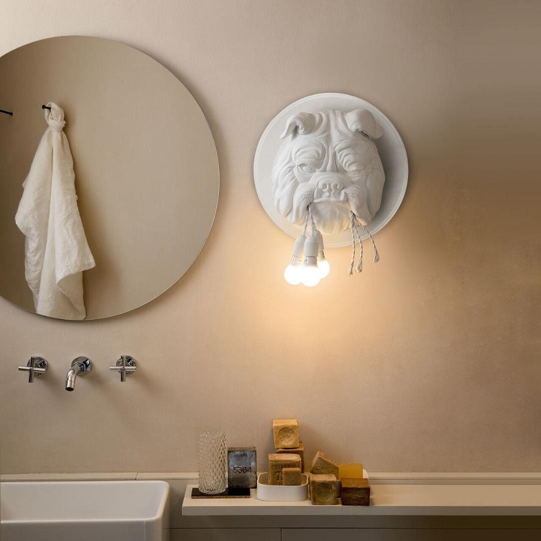 Idee Originale Pour Eclairer La Salle De Bain Eclairage Deco Decoration Lampe Luminaire Mesideeslumineuses Sanit En 2020 Eclairage Mural Design Luminaire