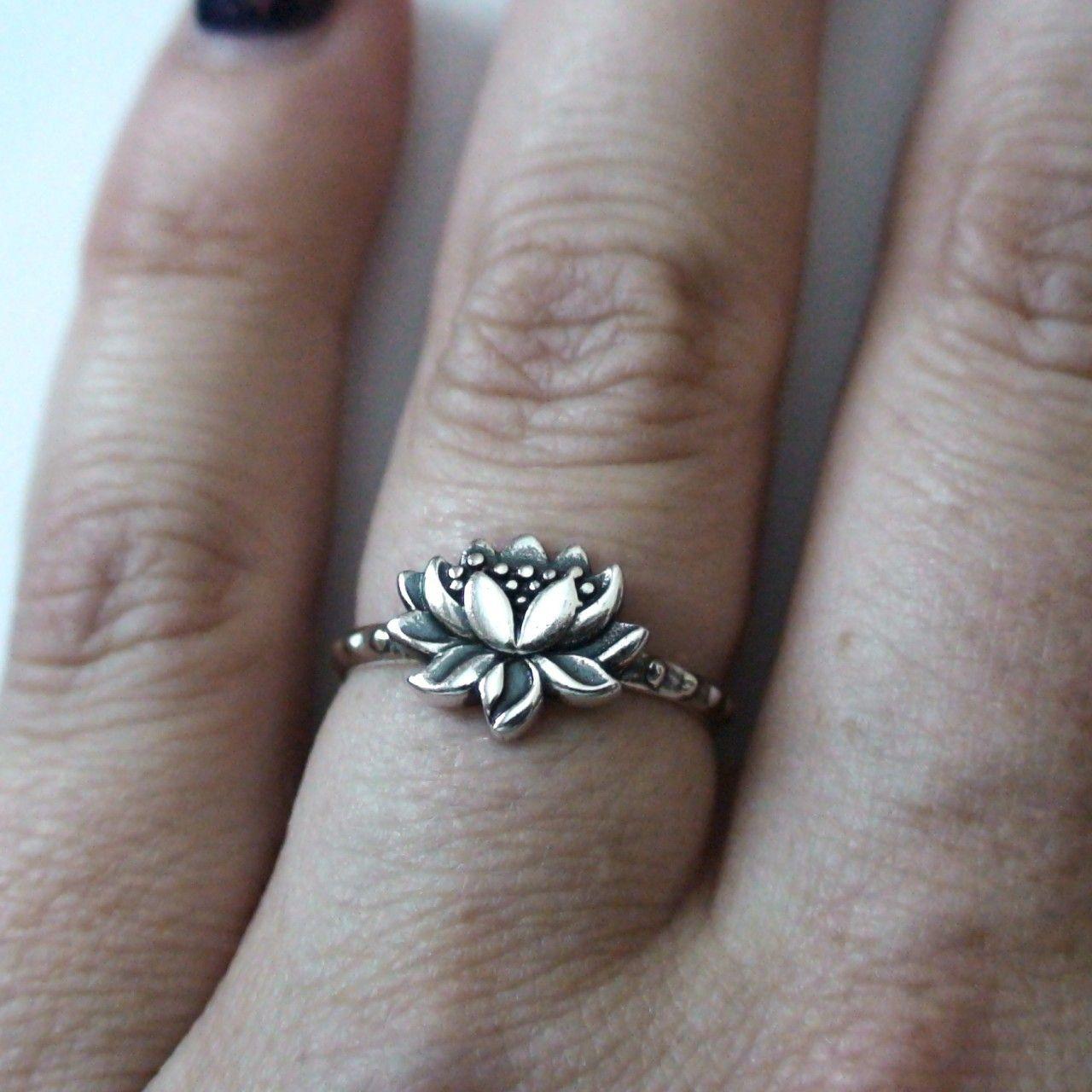 Fashionjunkie4life sterling silver lotus flower ring 2000 http fashionjunkie4life sterling silver lotus flower ring 2000 http izmirmasajfo