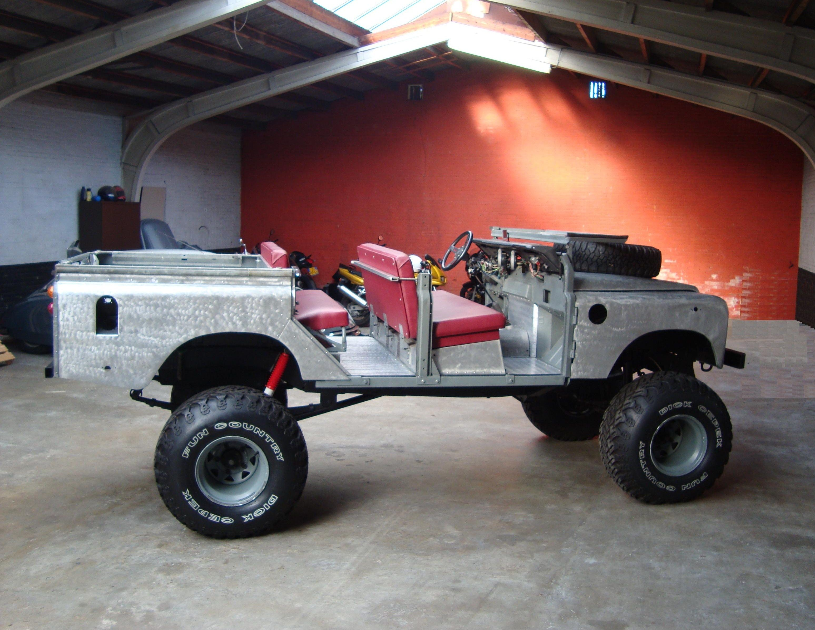 big survival pinterest zhang land defender by on ferris army range wheel online military rovers lei landrover rover parts trail perentie pin