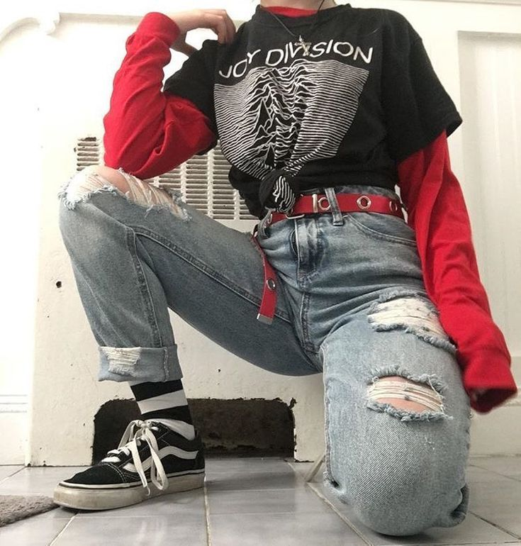 hasslich teen posing