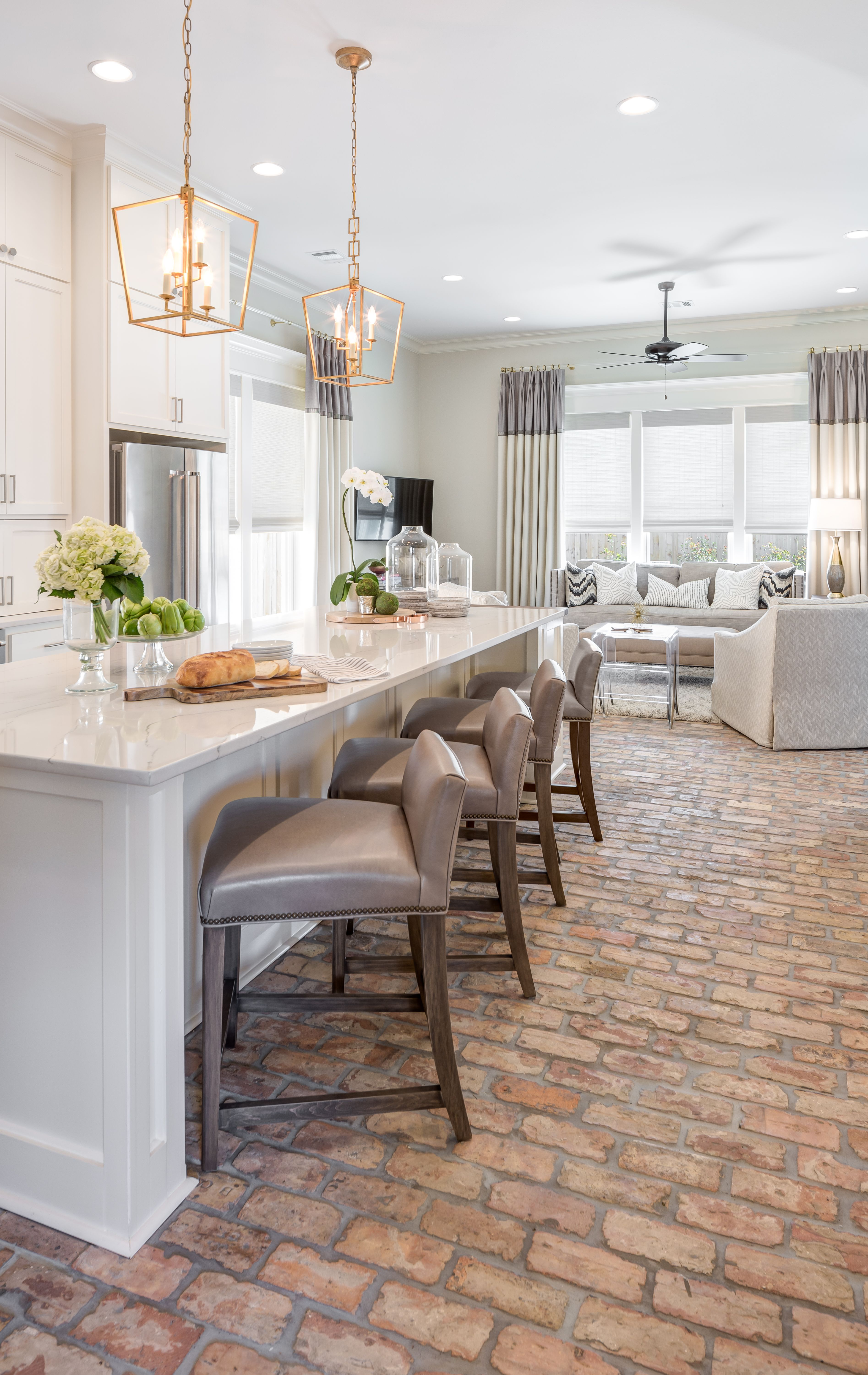 Southern Traditional Bright Kitchen Design The Design Studio Of