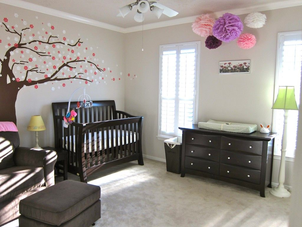 Baby Girl S Simple Neutral Nursery Baby S Room Nursery Dark