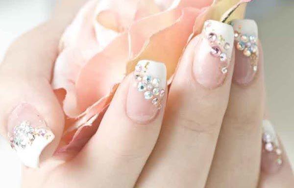 Diseños De Uñas Con Piedras De Cristal Uñas Para Novia