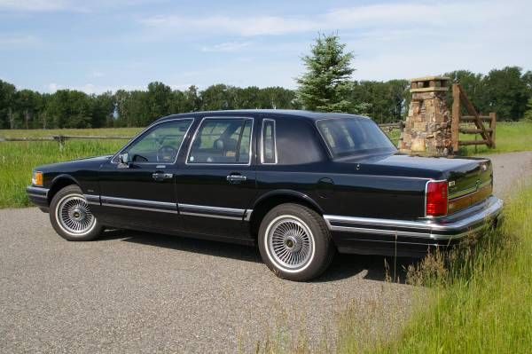 No Vinyl Top 9 500 Mile One Owner 1990 Lincoln Town Car With