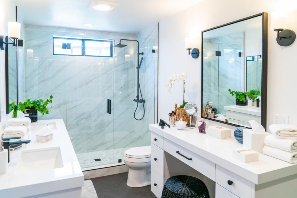 Christina Anstead S California Contemporary Master Bedroom And Bathroom Makeover Chris Bathroom Remodel Master California Contemporary Master Bathroom Design