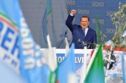 Berlusconi prepara otra campaña electoral por si no se forma gobierno en Italia