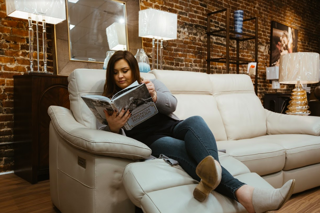 Natuzzi Sofas Are A Sleek Modern Choice For Any Living Room See More At Birminghamwholesale Com Affordable Sofa Beautiful Living Rooms Sofa