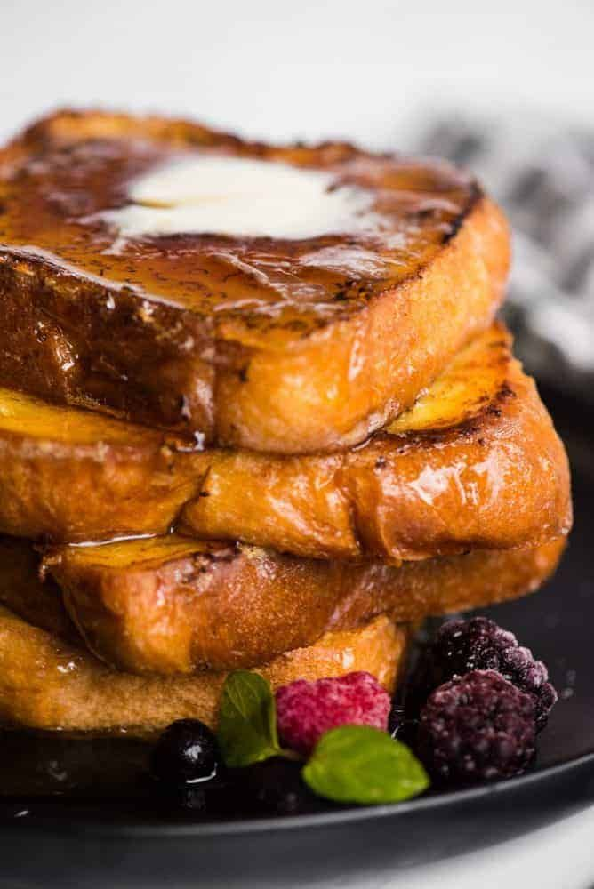 CRÈME BRÛLÉE FRENCH TOAST ★★★☆☆ 352 reviews If you love French toast, you're really going to love this recipe. Think about the best French toast you've ever had. Now imagine it tasting more rich and decadent. That's what Crème Brûlée French Toast brings to the breakfast table.