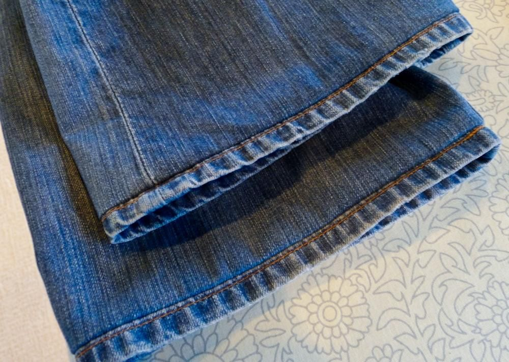 Trik na skrátenie riflí | Šitie | Pinterest | Kleidungsstück