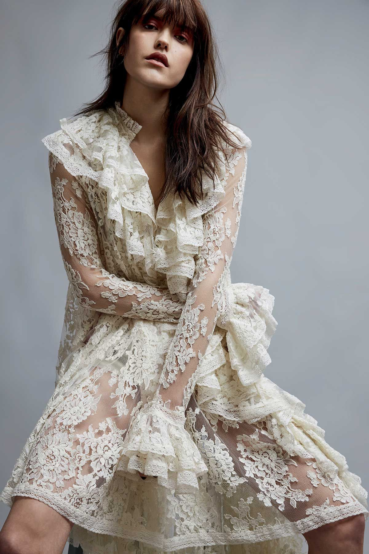 Näin syntyy romanttinen juhlatyyli – huippumalli Anna Nevala näyttää mallia
