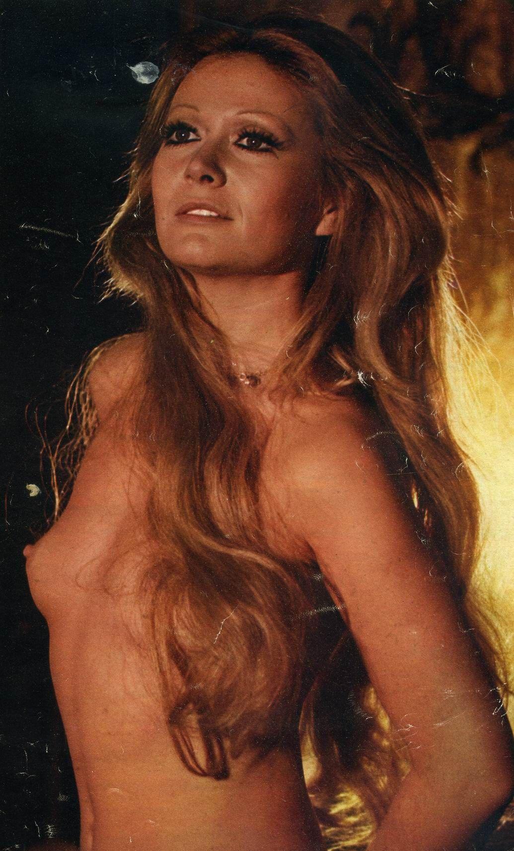 Ashley Doris Nude Photos 27