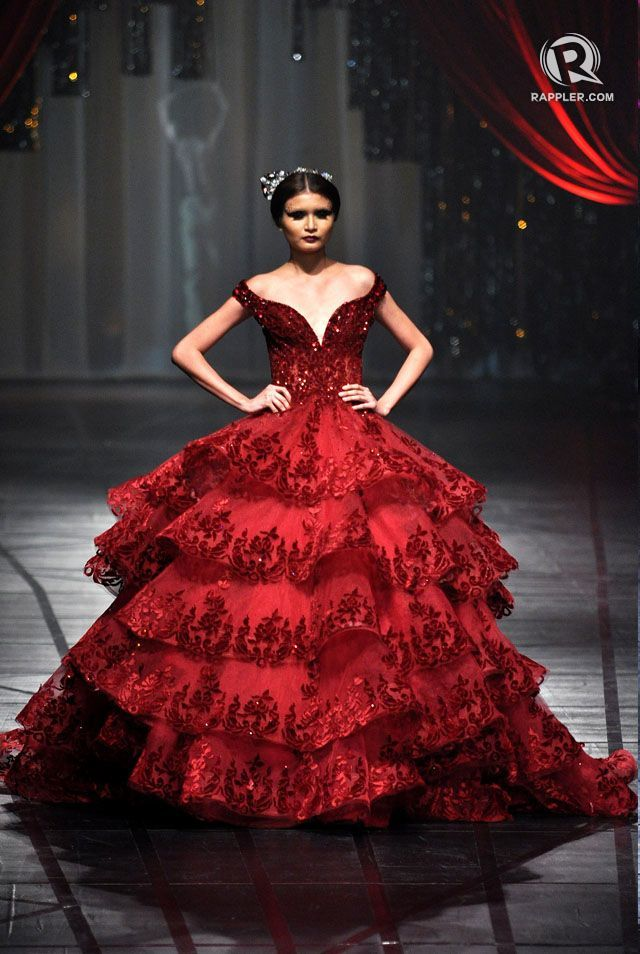 Spanish Inspired The First Outfit In Michael Cinco S Dramatic Fashion Show