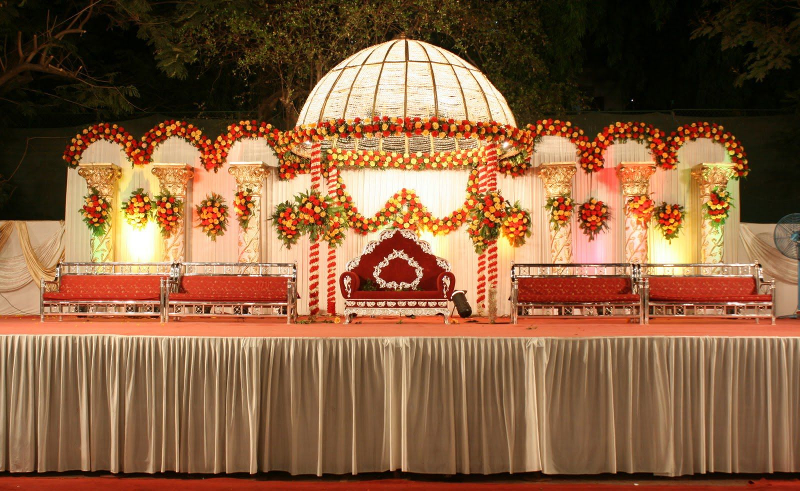 Wedding Planners Check Here Latest Stage Decorations
