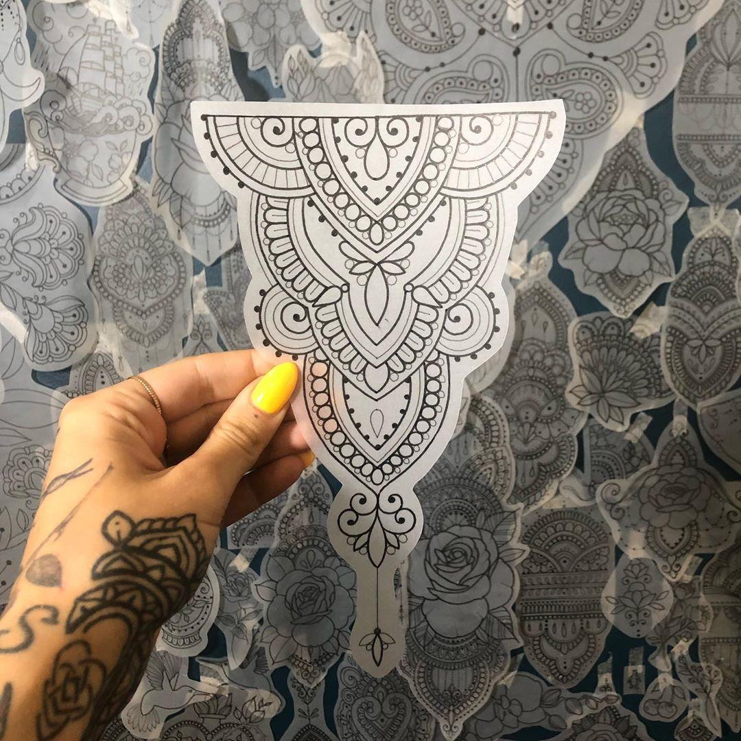 "Loti no Instagram: ""Available - lotiii.tattoo@outlook.com #blackwork #blackworkers #blacktattoo #blacktattooing #blxckink #ornamentaltattoo #finelinetattoo…"""