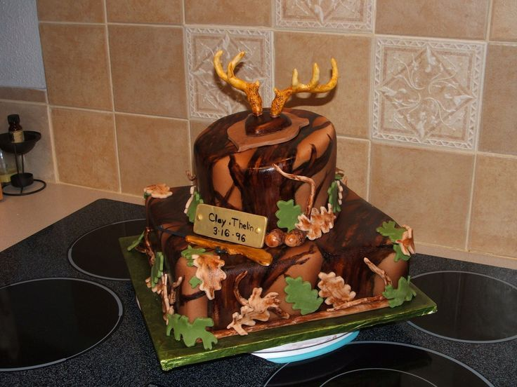 Deer hunting birthday A cake made for a young man turning 13 who