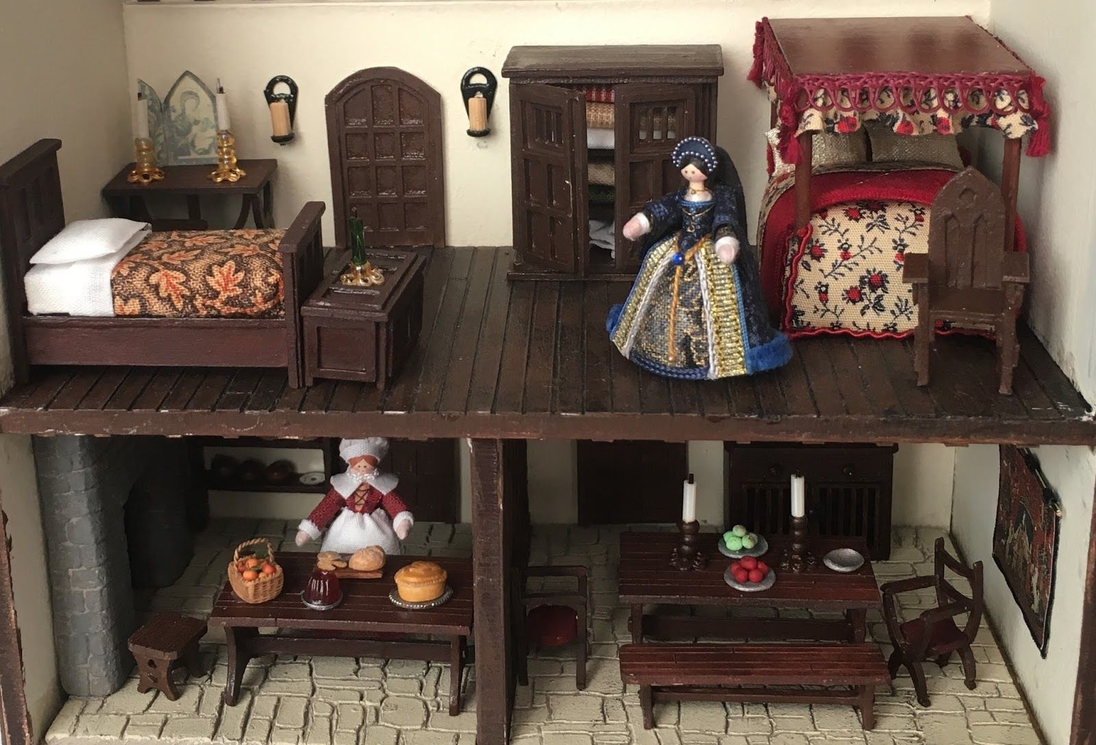 Quarter Scale (1/48th) Tudor House.
