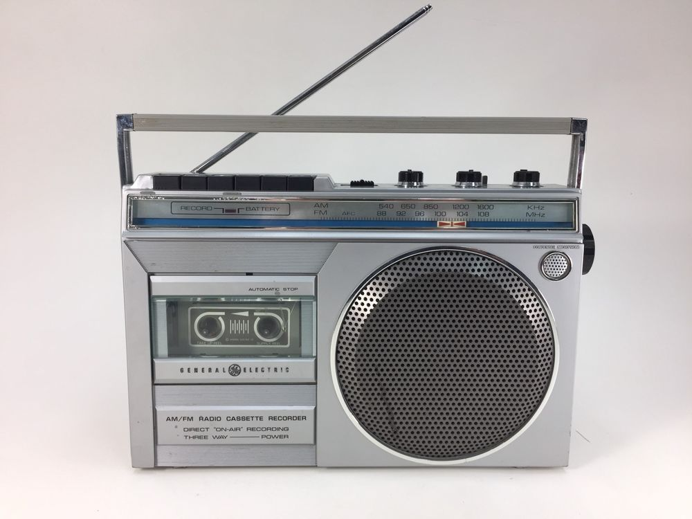 Vintage Ge General Electric Am Fm Radio Cassette Player Recorder Boombox 3 5245a Ebay Boombox Cassette General Electric