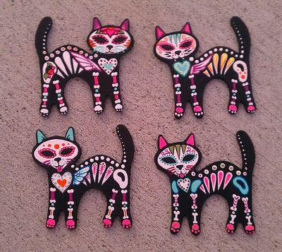 Love these sugar skull kitties