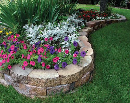 3 1 2 X 11 1 2 Crestone Beveled Retaining Wall Block In 2020 Landscaping Retaining Walls Garden Edging Retaining Wall Blocks