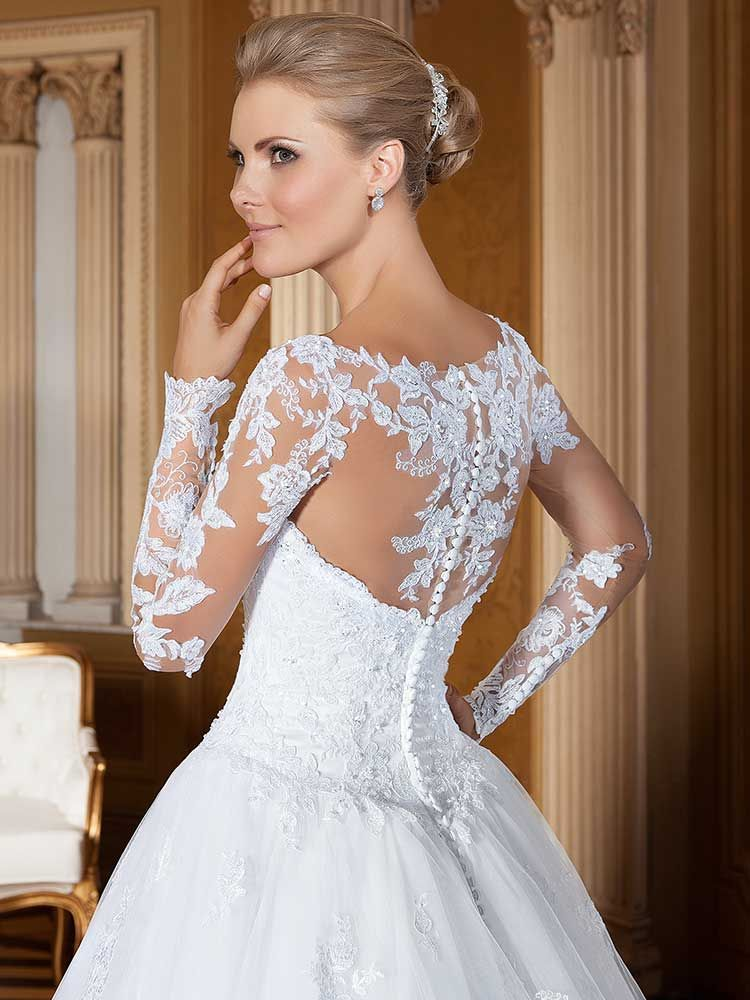 Gardênia 17 - costas (detalhe) #coleçãogardenia #vestidosdenoiva #noiva #weddingdress #bride #bridal #casamento #modanoiva