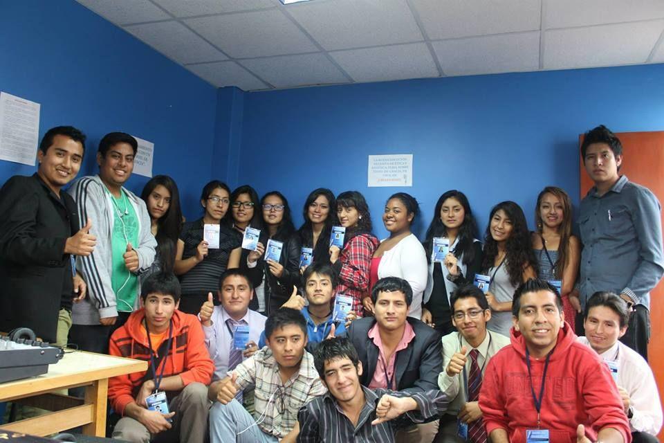 El grupo de Radio Sin Fronteras Perú