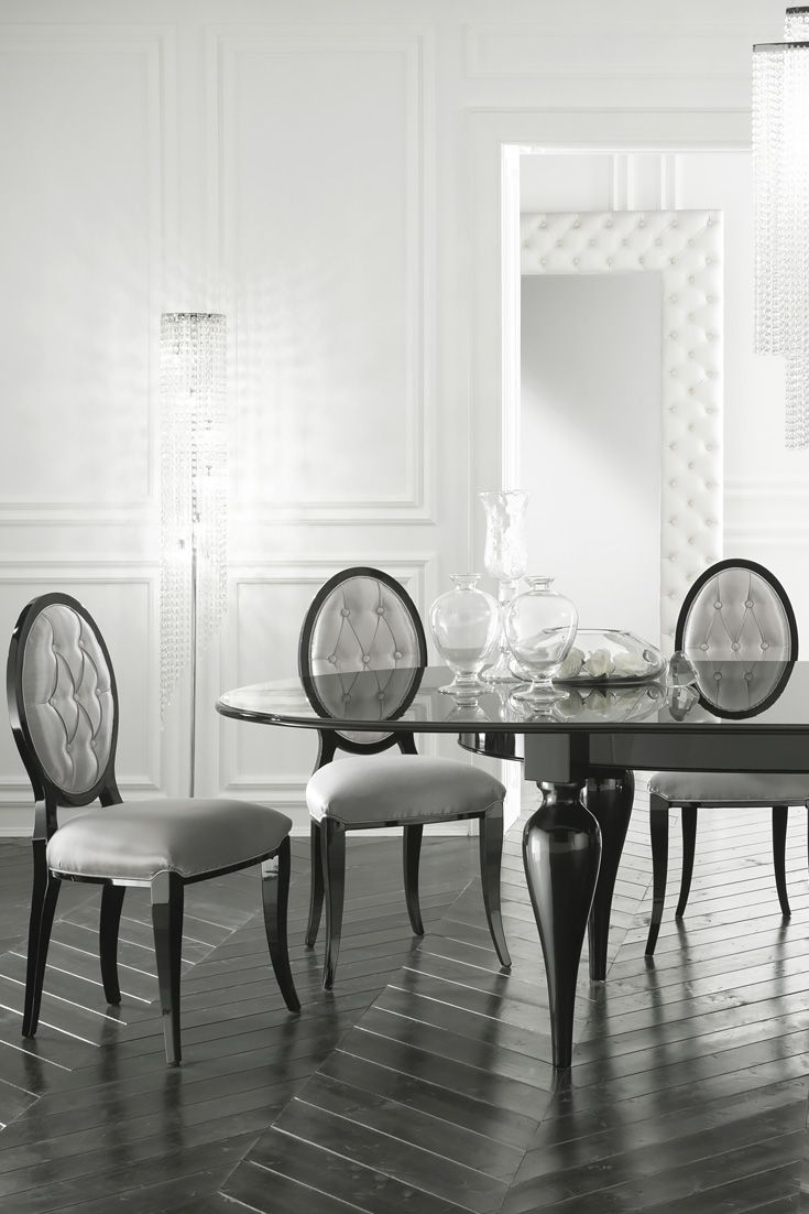 The Large Oval Extendable Italian Designer Dining Table Set At Juliettes Interiors Is A Statement Of True Once For Intimate Evening Suppers This