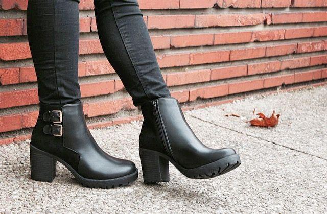 Bottines femme couleur noir Buzzao disponible du 36 au 41 sur www.buzzao.com 1a4c19a48ce9