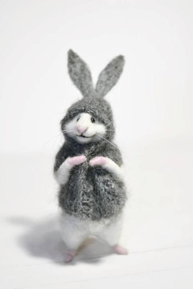 MADE TO ORDER! Bunny mouse Little mouse Miniature mouse Mouse bunny Bunny suit Mouse in sweater Mouse and gift Gift White mouse Cute mouse