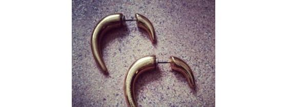 Trendy Large Talon Fake Guage Earrings Free Shipping No Copious Fee's $8.00