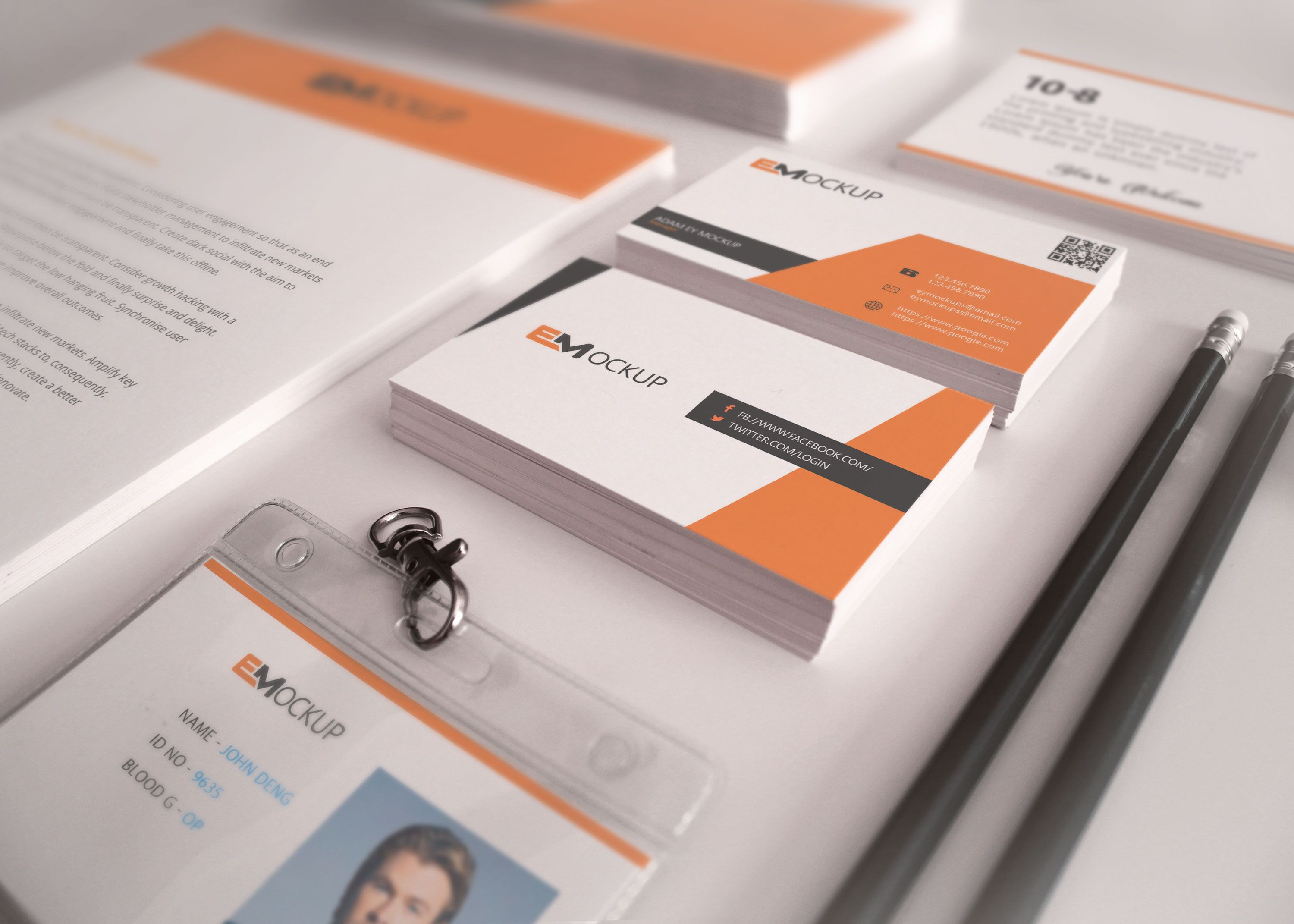 In Order To Help You Present A Logo Design Mockup To Your Client In A Super Polished Way We Ve Ga Business Card Psd Business Card Design Business Card Mock Up