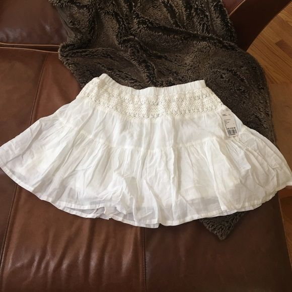 Summer Skirt Soft and light, with a pretty lace trim at top. Lined. Forever 21 Skirts Circle & Skater