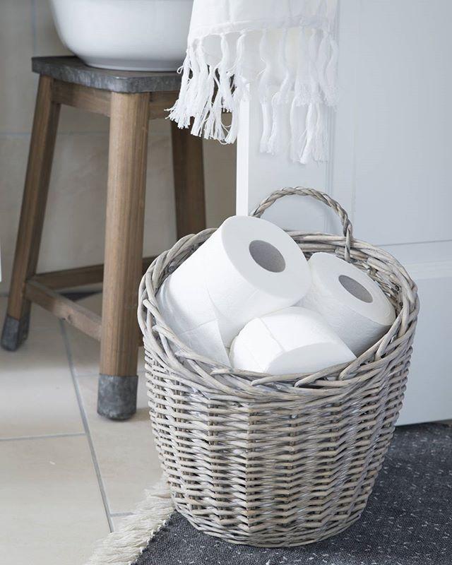 Toilettenpapier im korb dom for Bad deko idee