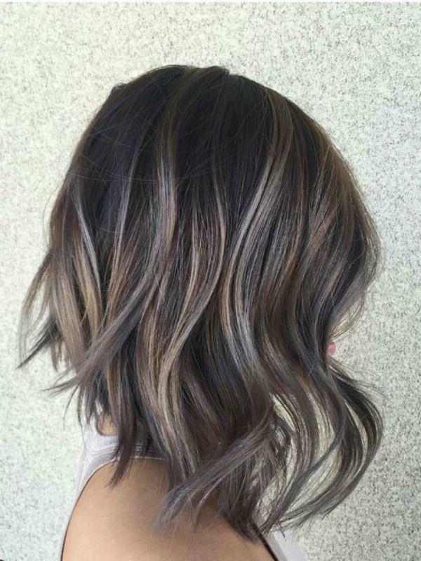 Ideje za sve brinete unesite boje duge u vašu kosu