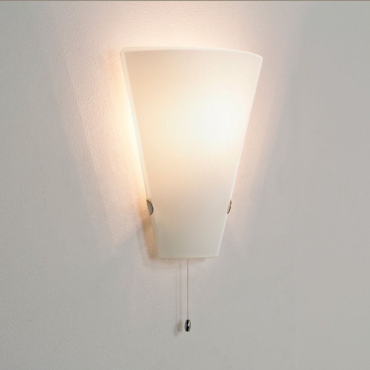 Good Astro Taper 0248 Dimmable Pull Cord Switch Wall Light 60W E14 Lamp IP20  Glass