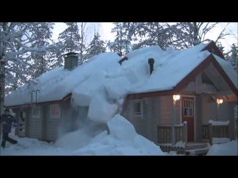 Man Shares An Easy Way To Remove The Hazardous Snow On Your Roof Snow Removal Home Snow Snow