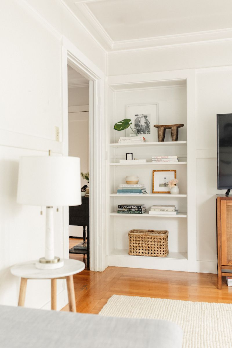 This 550 Sq Ft Apartment Is A Total Dream Living Room Shelves Home Minimalist Apartment Decor