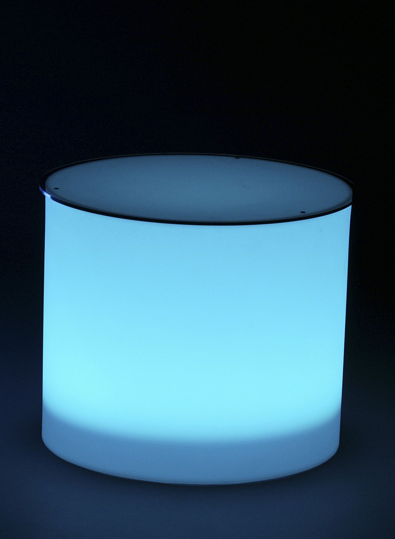ILLUMINATED CYLINDER TABLE    Product #	: TAB-068  Dimensions: 21''DIAM x 18''H  Pieces Avail: 8