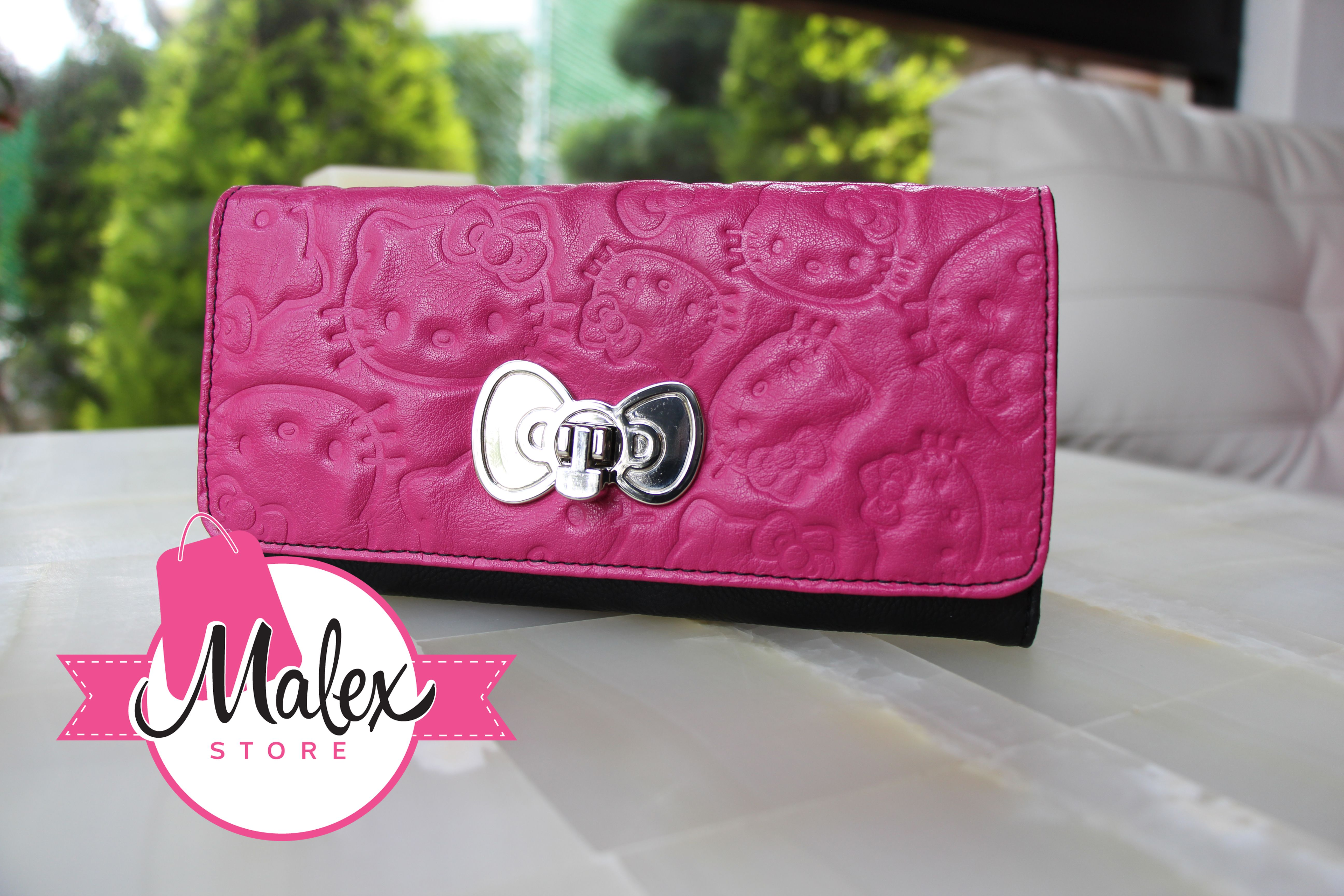 bc655877f Cartera Loungefly Color Rosa Con Caras Grabadas Hello Kitty. Precio:  $680.00  http://www.malexstore.mx/index.php?route=product/product&path=73_57&product_id=  ...