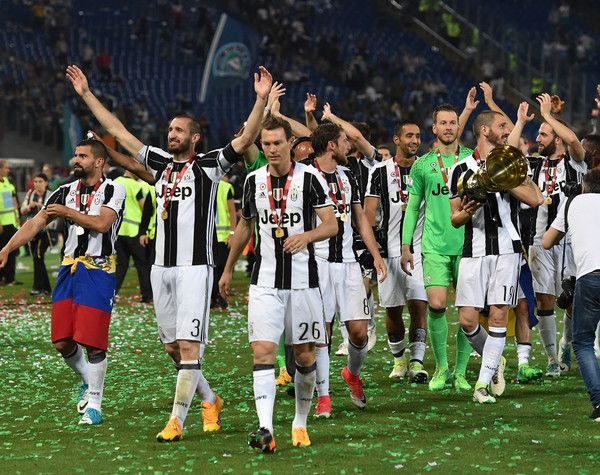 92c9426b2 Players of Juventus FC celebrate the victory after the TIM Cup Final match  between SS Lazio and Juventus FC at Olimpico Stadium on May 2017 in Rome
