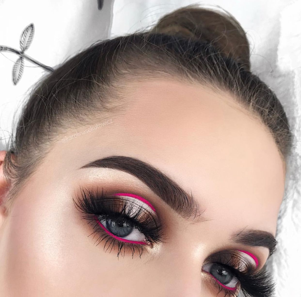 Eyes The Window To The Soul In 2020 Unique Makeup Chic Makeup Eye Makeup