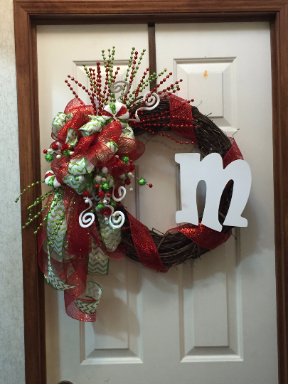 Looking For A Whimsical Christmas Wreath Check Out This Adorable Initial Red Green Wreath Letter Wreaths Homedecor Decor Christmas Christmaswreath